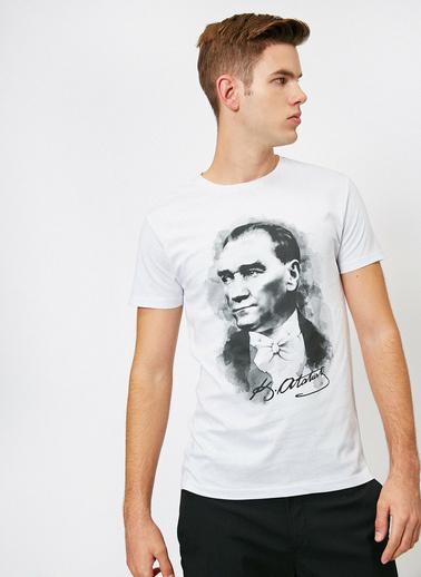 Koton Atatürk Baskili T-Shirt Beyaz